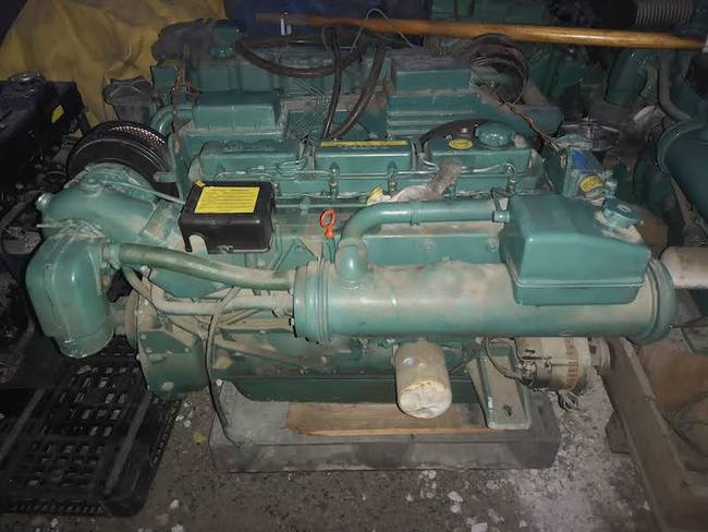 medium_051709-marine-engines-volvo-penta-yamaha-set